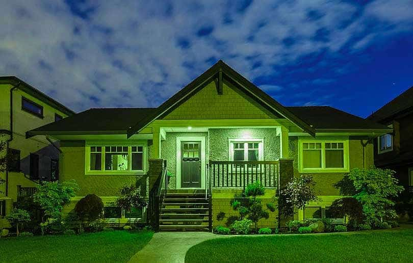 What does the color of a porch light mean