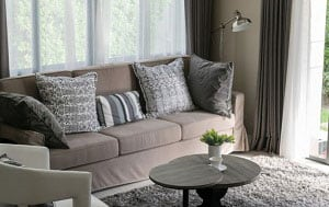 decorative-pillows-for-brown-leather-couch